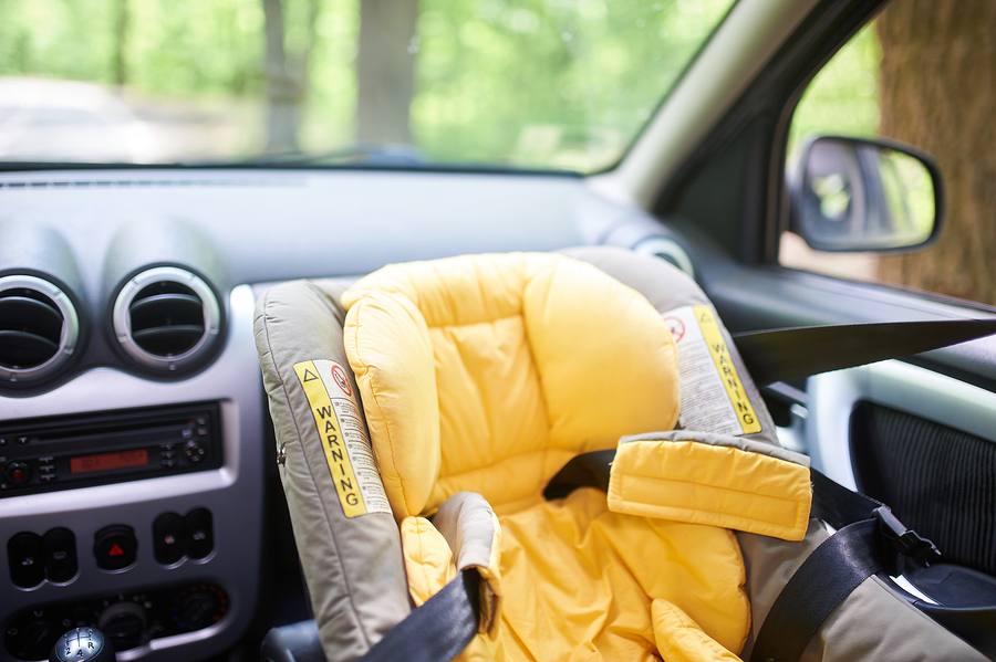 Child calls 911 on mother who left them and 6 other children in hot car