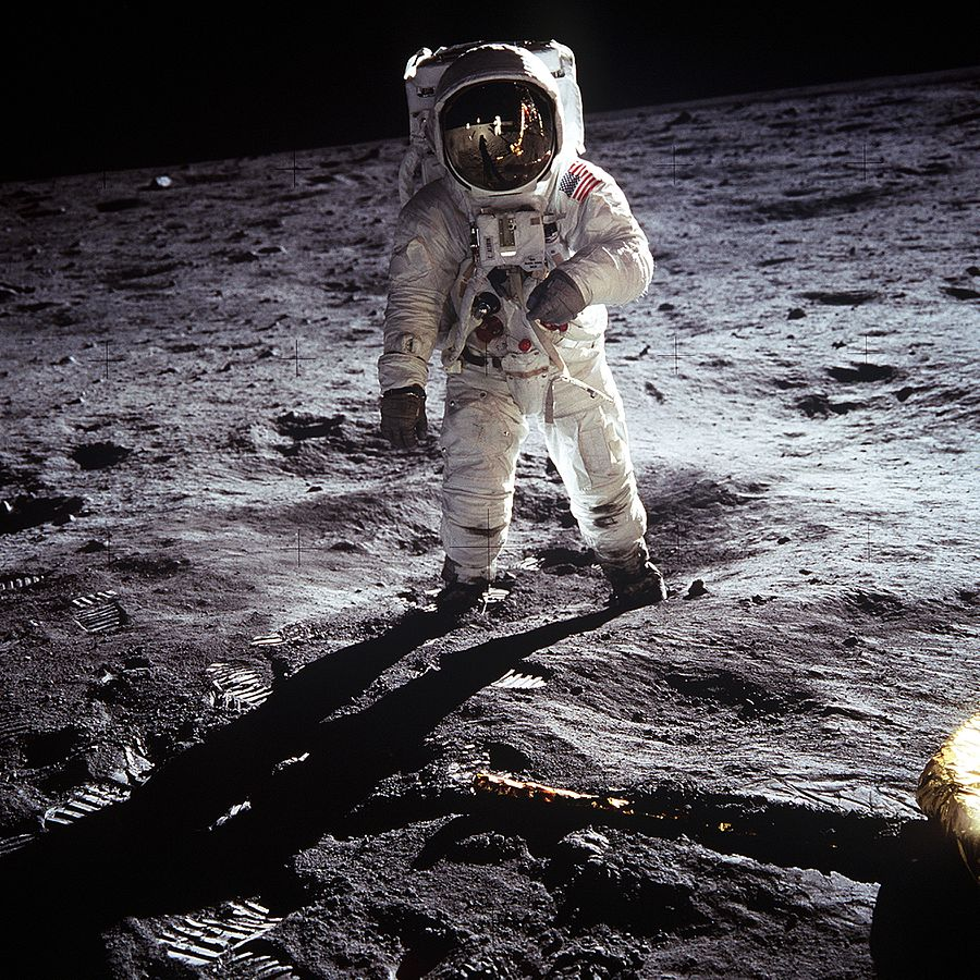 Delivering stuff to the Moon Meet the first companies hired by NASA
