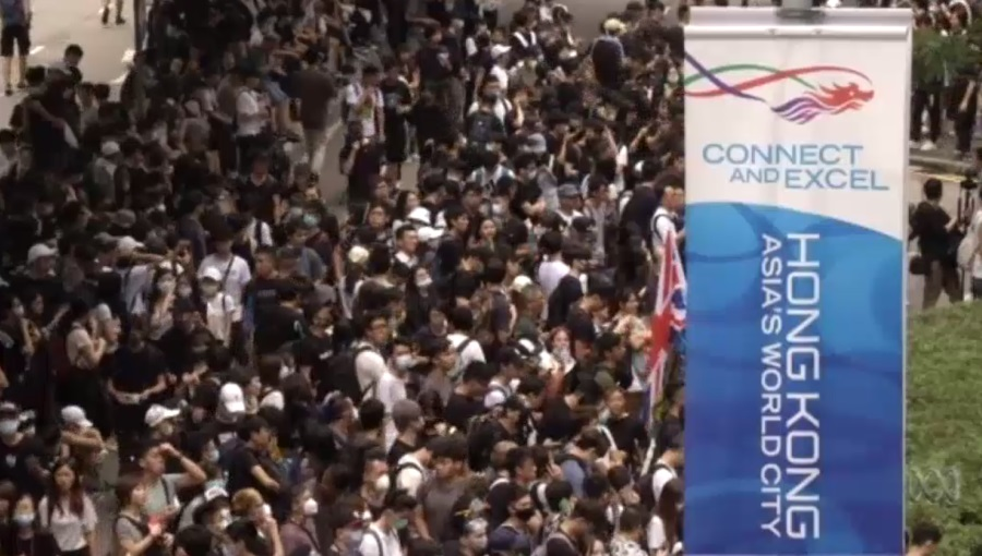 Hong Kong protests continue as extradition law debate is delayed
