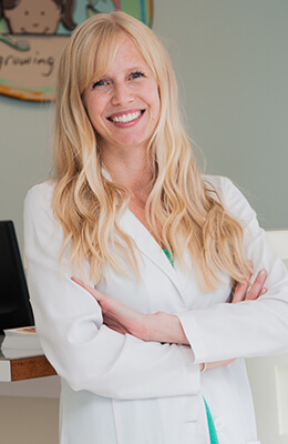 Dr. Kristin McCullough Elliot - Growing Smiles Chicago