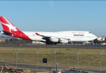 Qantas sets record for longest non-stop commercial flight
