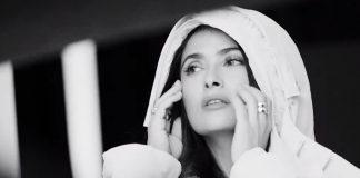 "Salma Hayek recalls monkey attack on the set of ""Frida"""