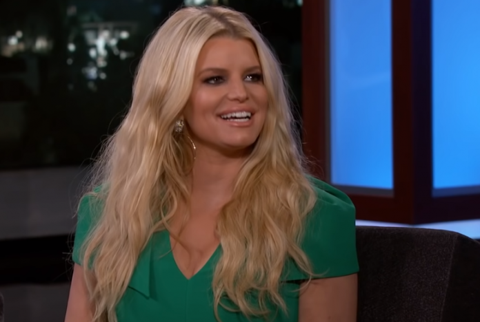 """""""The Notebook"""": Jessica Simpson supposed to star opposite Ryan Gosling"""