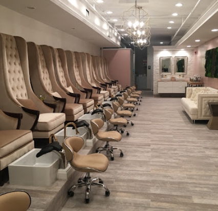 La Pure Organic Nail Boutique