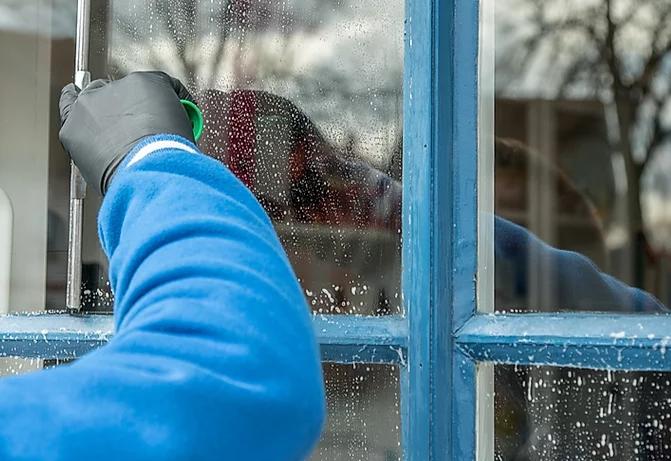 Hunter Window & Gutter Cleaning