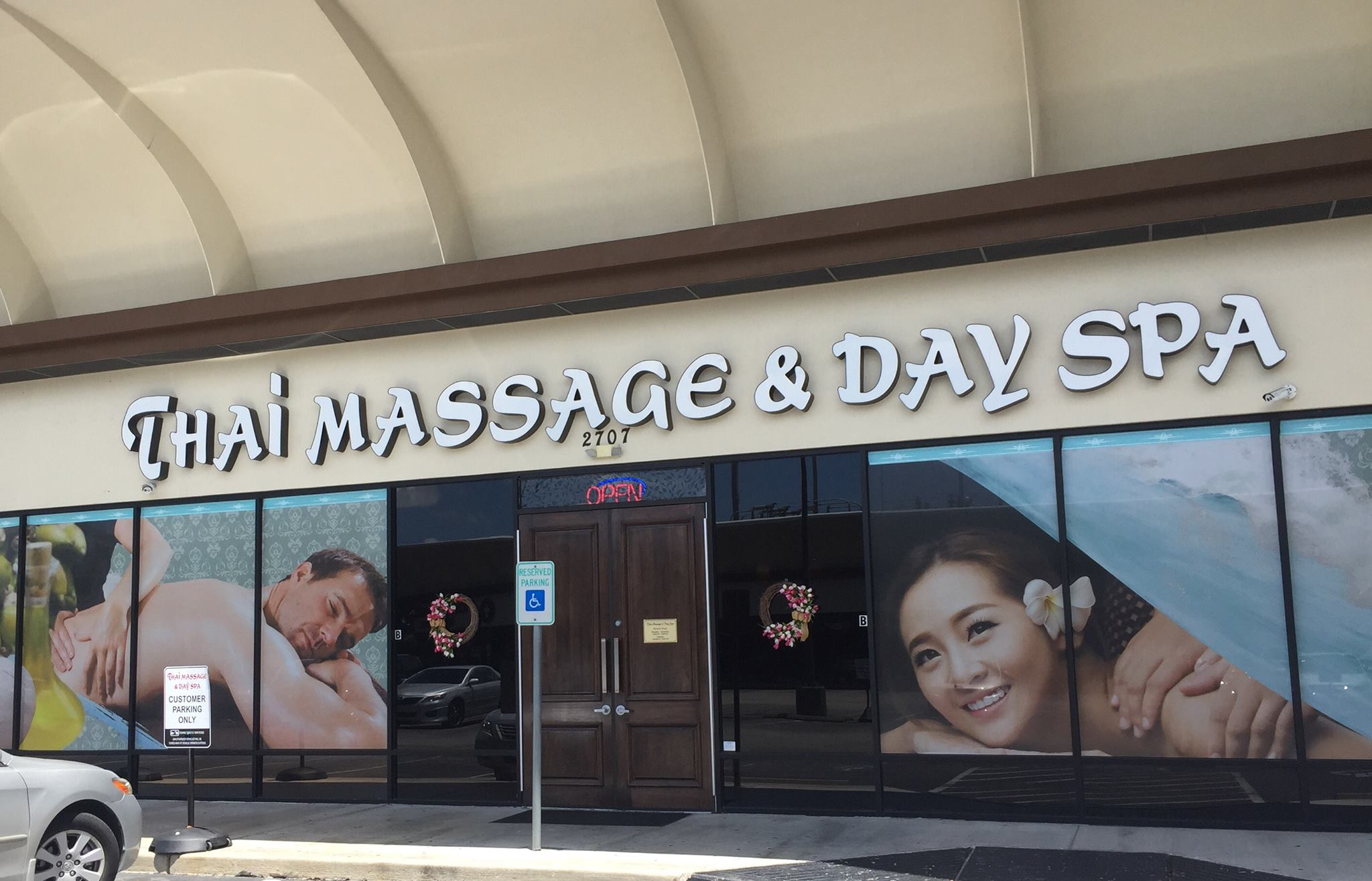 Thai Massage and Day Spa - Galleria