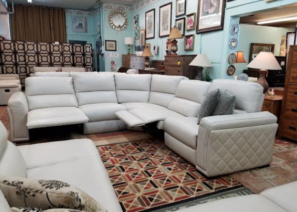 Robin's Furniture