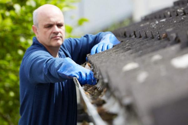 J-Gutter Cleaning & Power Washing