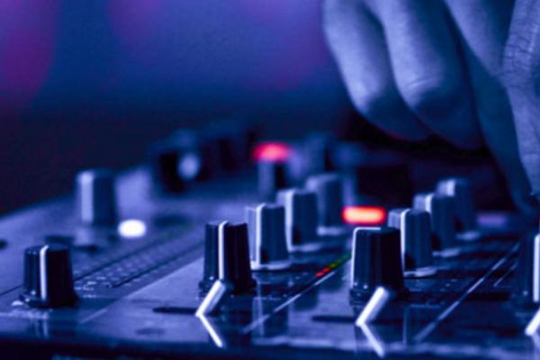 DJ The Mood