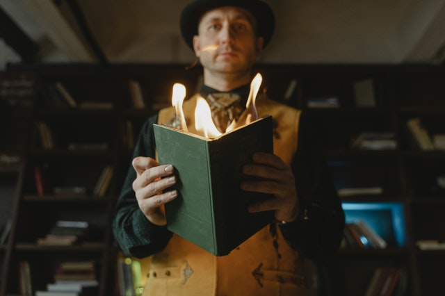5 Best Magicians in Chicago