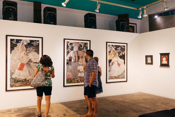 La Luz De Jesus Gallery