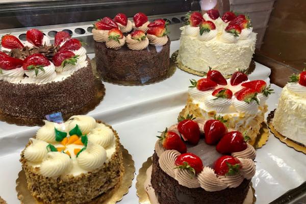 Cakes in Detroit