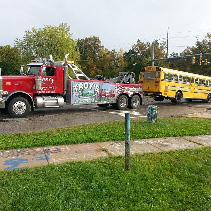 Towing Services in Detroit