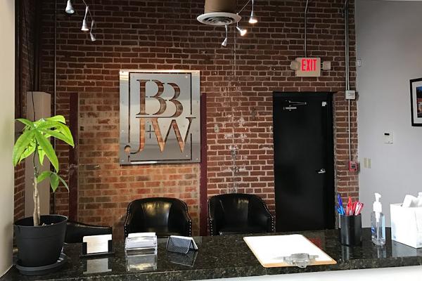 Good Contract Attorneys in Memphis