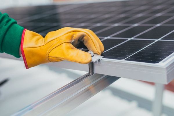 Top Solar Battery Installers in St. Louis