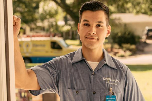 Top Electricians in Tucson
