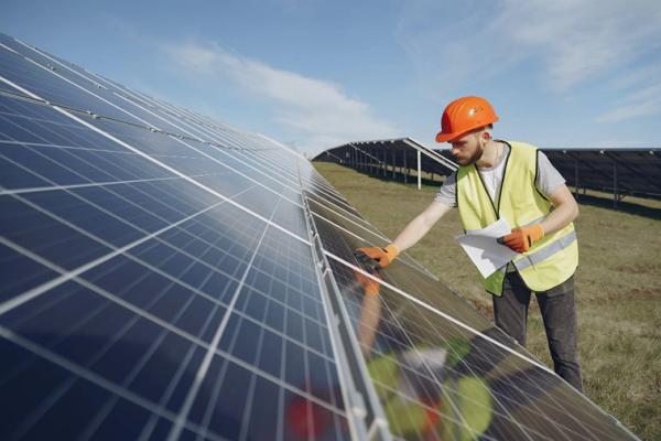 Solar Panel Maintenance Sacramento