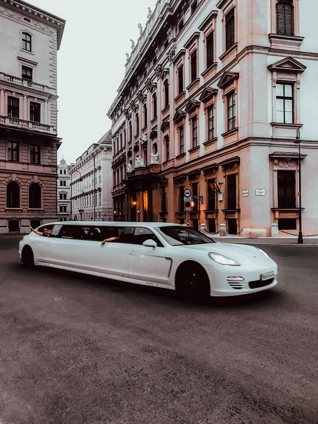 5 Best Limousine Services in Fresno