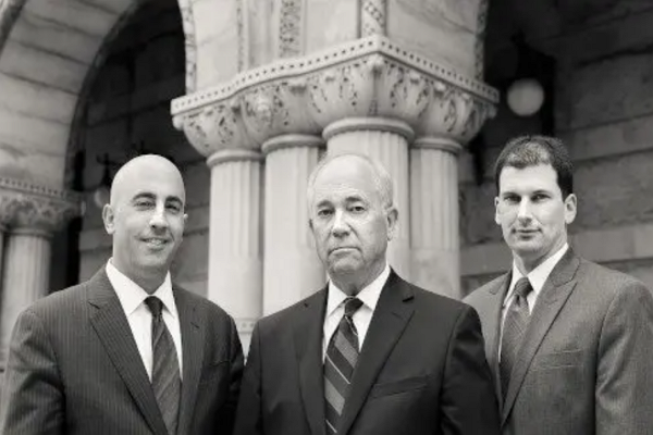 One of the best Contract Attorneys in Milwaukee