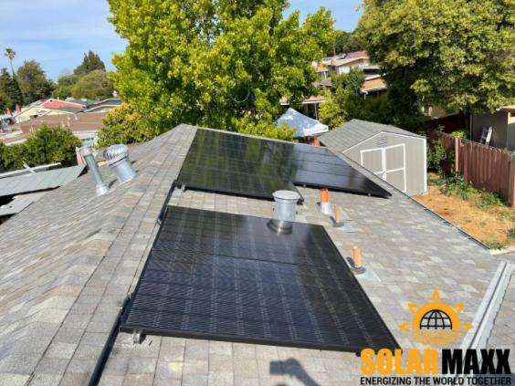 Solar Panel Maintenance in El Paso