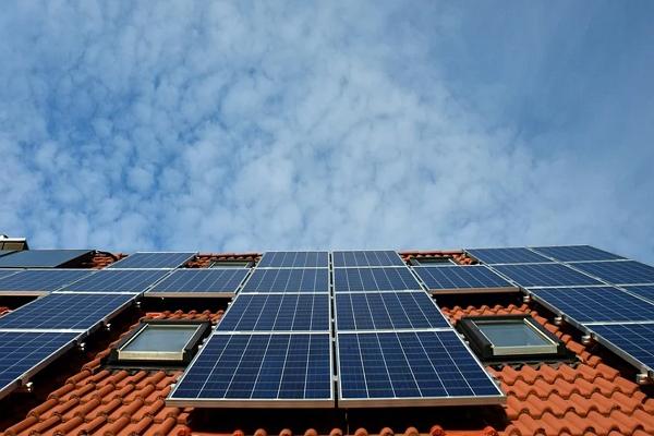 Top Solar Battery Installers in Denver