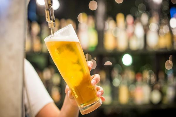Good Beer Halls in Milwaukee